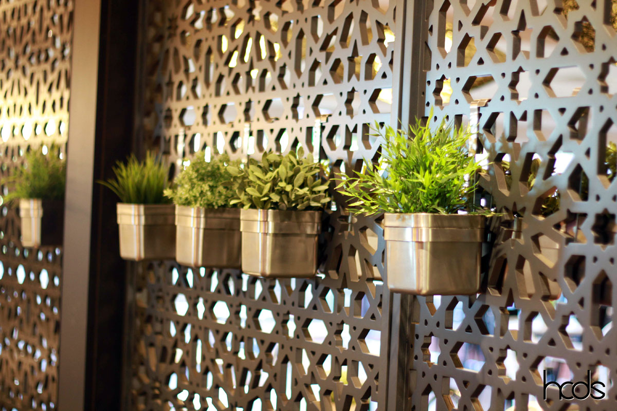 Introducing hcds outdoor privacy screens bookmarc online for Garden feature screens